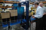 物流になくてはならない梱包機、国内トップシェアの「ストラパック」です!世界的梱包機メーカーの地位も確立しています!