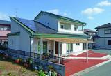 浜松の皆様に支えられ、おかげさまで創業35年。ひのき柱にこだわり伝統建築を踏襲しながら最新の技術を取り入れ、お客様に喜んでいただける住宅を設計・施工・監理しています。そして光冷暖とコラボした、住まいと健康を兼ね備えた住宅を研究しています。